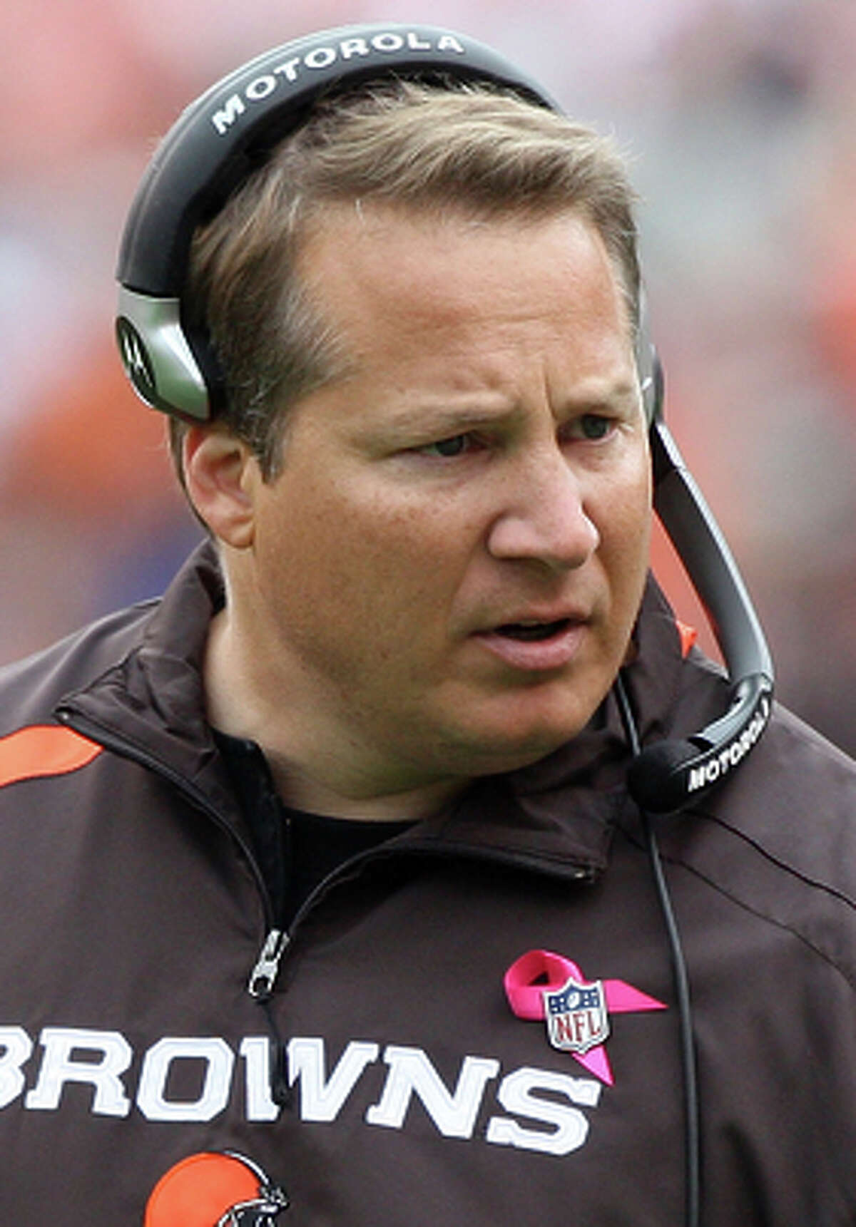 CLEV ELAND - OCTOBER 04: Head coach Eric Mangini of the Cleveland Browns looks on against the Cincinnati Bengals during their game at Cleveland Browns Stadium on October 4, 2009 in Cleveland, Ohio. (Photo by Jim McIsaac/Getty Images)