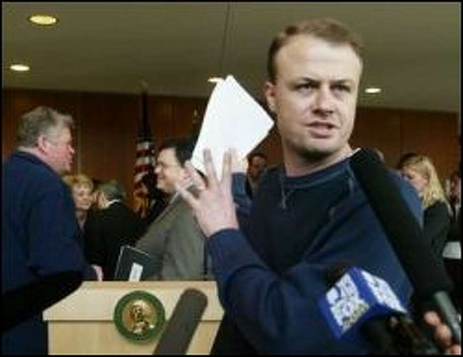 Initiative promoter Tim Eyman:  He mortgages house to collect signatures for an initiative to force the Legislature to do his bidding. . Photo: Dan DeLong, Seattle Post-Intelligencer / Seattle Post-Intelligencer