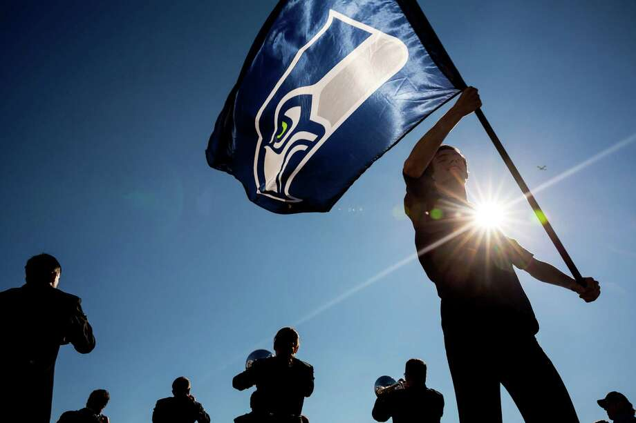 The Go 2 Guy is here to help, but for all I know, I could make things worse. Still, I've  come up with a top-10 list of things that should make you feel better about the Seahawks' loss in Super Bowl XLIX. Photo: JORDAN STEAD, SEATTLEPI.COM / SEATTLEPI.COM