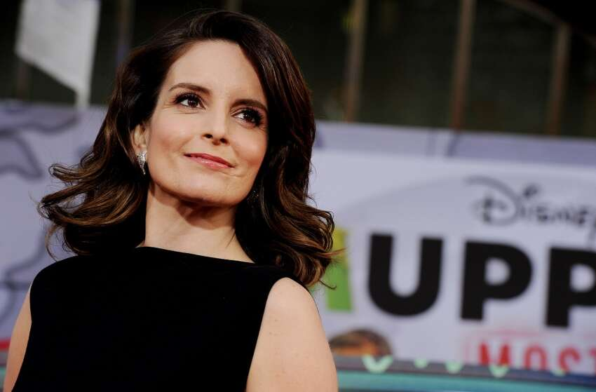 Tina Fey Virtually everyone loves her, she has sharp comedic skills as both a writer and performer, and she knows what it takes to run a show. Her improv skills are well-honed, so she thinks fast on her feet.