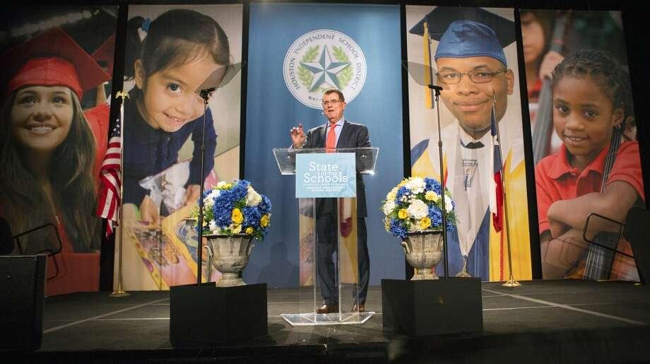 El superintendente del Distrito Escolar Independiente de Houston, Terry Grier, presentó su sexto discurso sobre el Estado de las Escuelas el miércoles 11 febrero. Photo: Cody Duty, Houston Chronicle