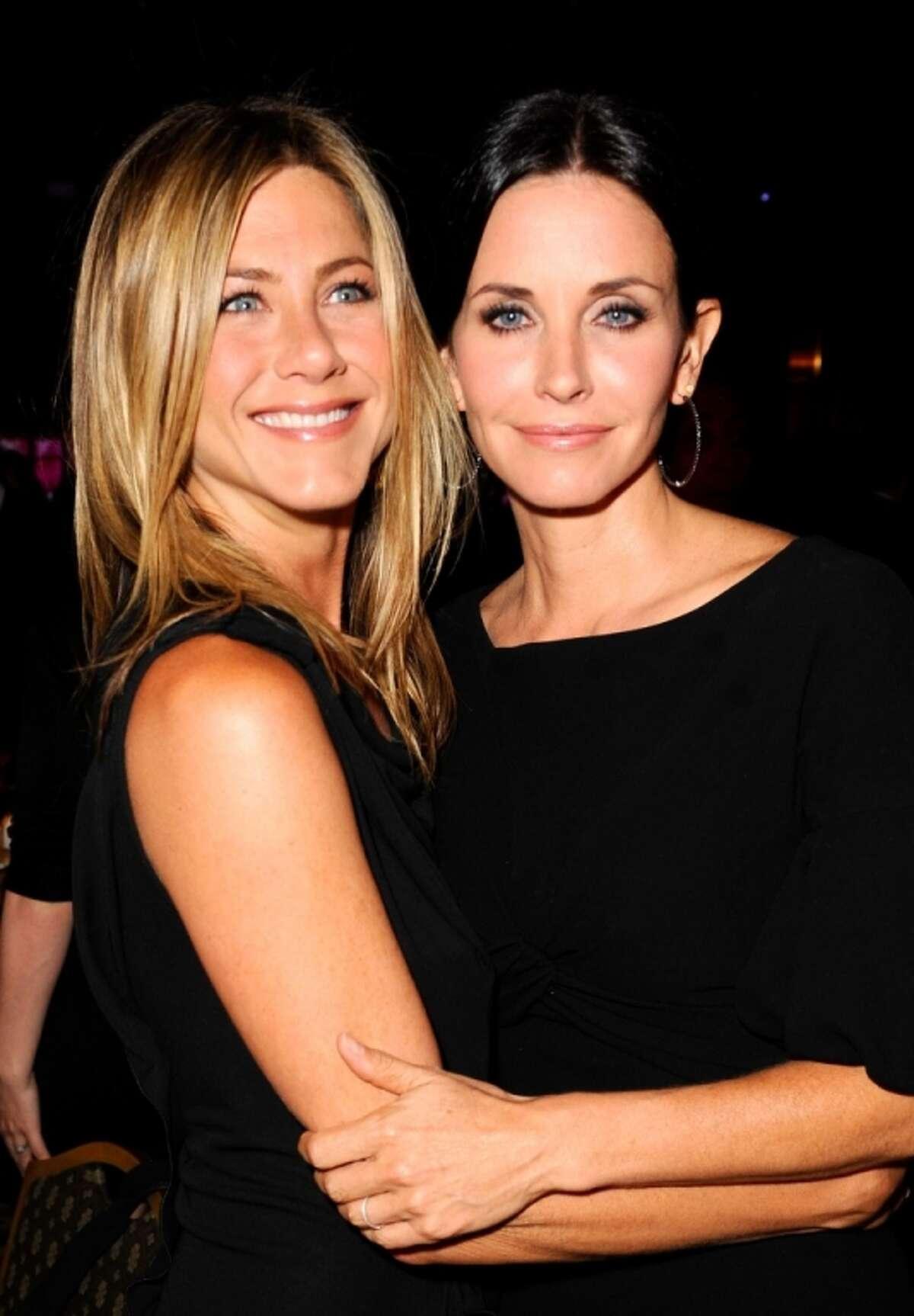 Actresses Jennifer Aniston and Courteney Cox