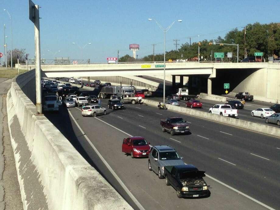Major Accident Causes Rush Hour Headache On U S 281 San