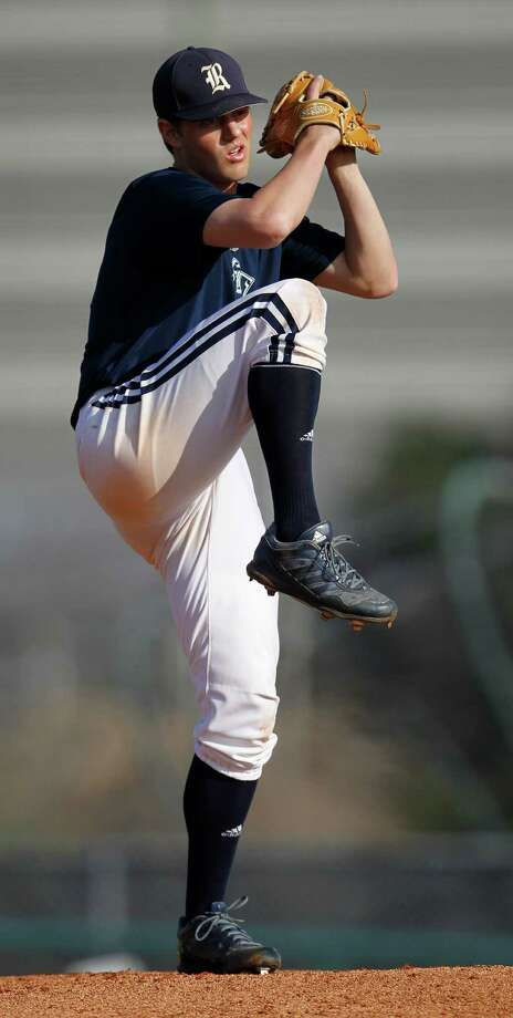 Junior Blake Fox, an Episcopal product, is a perfect 18-0 during his first two seasons on the mound for the Owls. Photo: Karen Warren, Staff / © 2015 Houston Chronicle