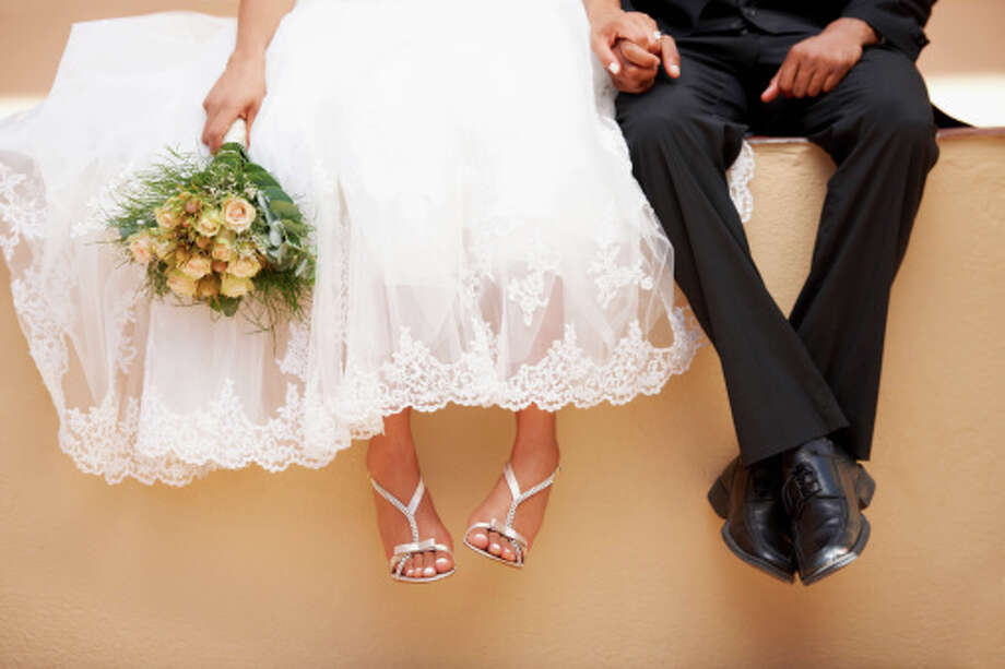 Relationship status of buyersMarried couples: 65%Unmarried couples: 8% Photo: Yuri Arcurs, Getty Images / Tetra images RF