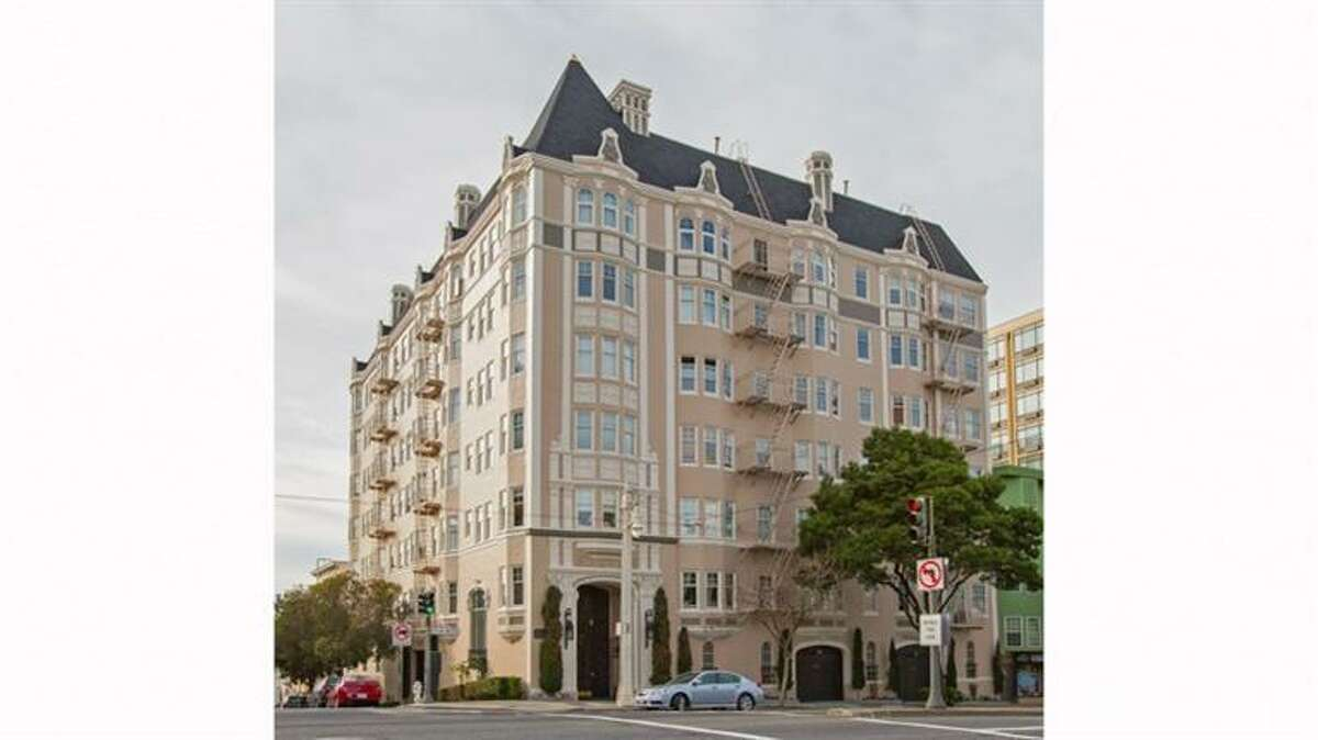 2701 Van Ness Ave #604 is located at the corner of Greenwich.