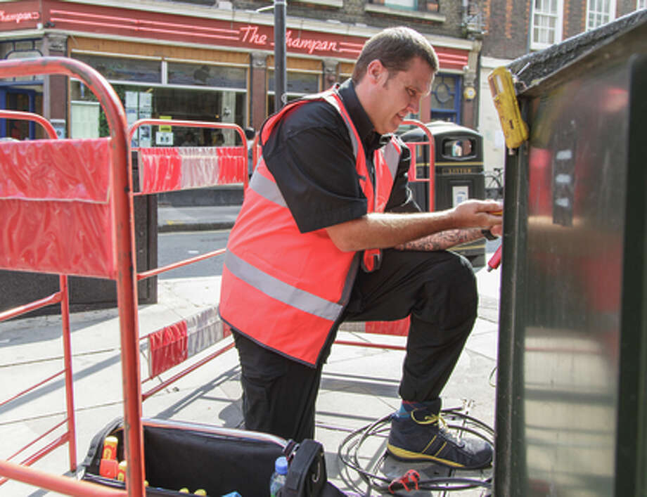 An engineer is busy at work as Virgin Media expands its high-speed network. Photo: Virgin Media / ONLINE_YES