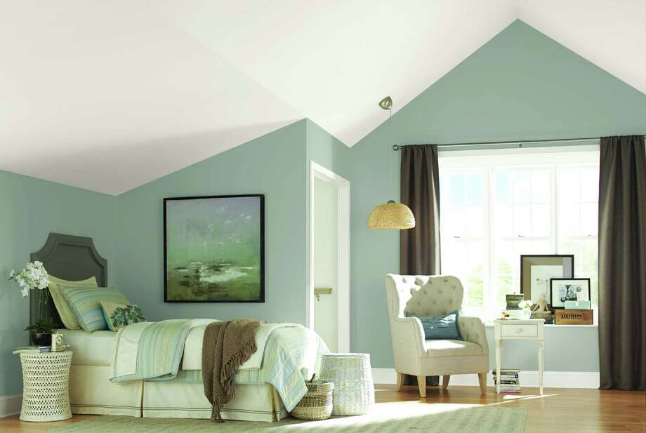 A room featuring Dovetail, one of the grays offered by Sherwin-Williams. Photo: Courtesy Sherwin-Williams