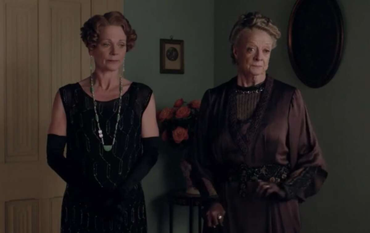 """Violet tells Rosamund that they have to reveal Edith's secret to Cora because she is her mother. Rosamund asks why they are not telling Robert as well. """"He is a man,"""" says Violet. """"Men don't have rights."""""""