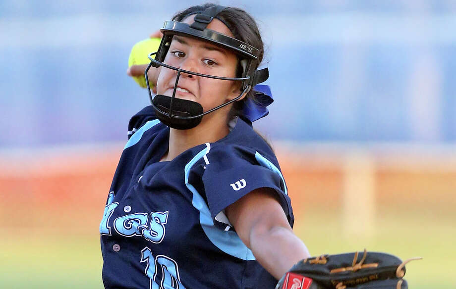 Johnson pitcher Caitlyn Colquhoun returns for her sophomore season. She finished 19-5 with three no-hitters, 201 strikeouts and an 0.88 ERA. Photo: Tom Reel /San Antonio Express-News / San Antonio Express-News