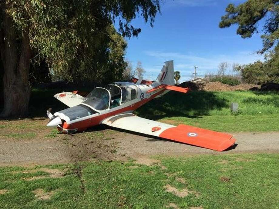 A plane made an emergency landing on a Hayward golf course Sunday, Feb. 15, 2015, after losing power shortly after takeoff. Photo: Courtesy, Hayward Fire Department