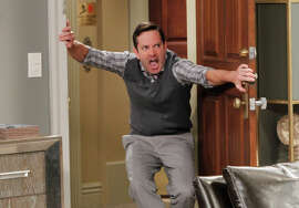 """Thomas Lennon as Felix Unger in a new """"Odd Couple"""" that neatly avoids being a straight-out rehash o f the 1970s series and the classic movie."""
