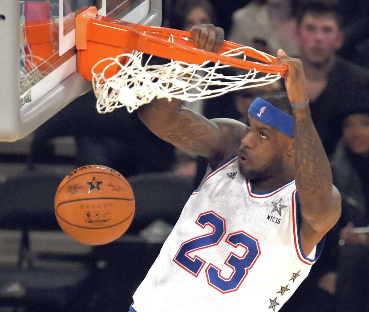East NBA All Star LeBron James (Cavaliers) scores during the 64th NBA All-Star Game at Madison Square Garden in New York February 15, 2015. AFP PHOTO / TIMOTHY A. CLARYTIMOTHY A. CLARY/AFP/Getty Images ORG XMIT: 527095531