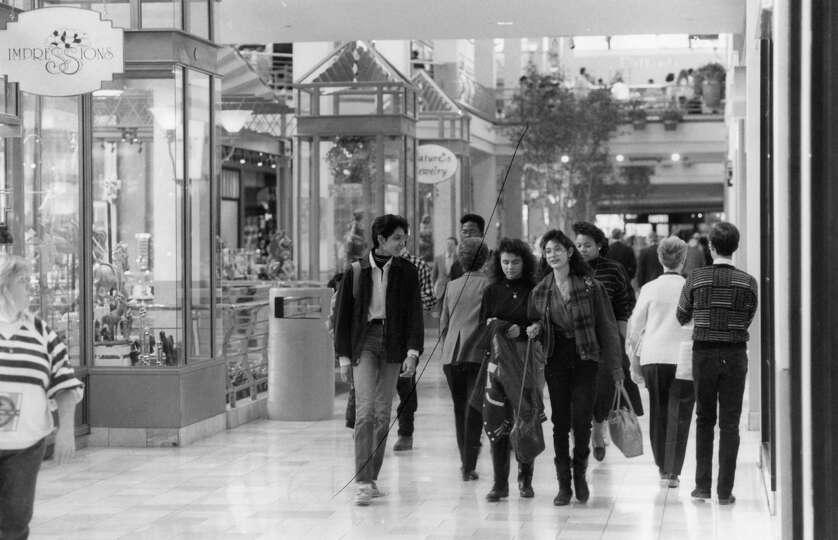 Rivercenter Mall 1990 Photo 7533910 103354 San Antonio