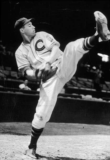 circa 1940:  Full-length image of baseball pitcher Bob Feller of the Cleveland Indians winding up for a pitch during practice.  (Photo by New York Times Co./Getty Images) Photo: New York Times Co., Contributor / Getty Images / Archive Photos