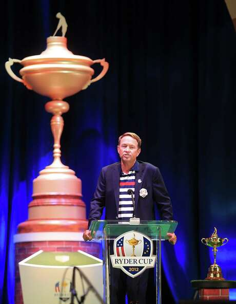 MEDINAH, IL - SEPTEMBER 30:  USA team captain Davis Love III speaks to the crowd at the closing ceremonies after Europe defeated the USA 14.5 to 13.5 to retain the Ryder Cup during the Singles Matches for The 39th Ryder Cup at Medinah Country Club on September 30, 2012 in Medinah, Illinois.  (Photo by David Cannon/Getty Images) Photo: David Cannon, Staff / 2012 Getty Images