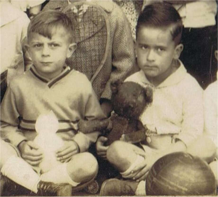 Teddy bear detail from 1930 class photo. From the collection of Bob Bragman.