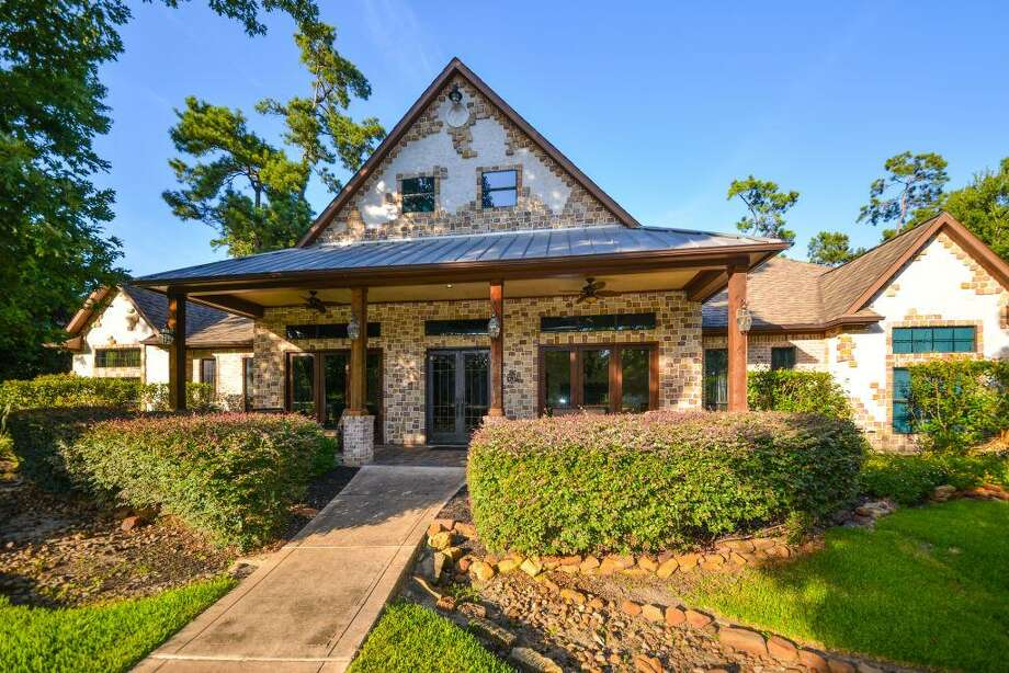 27410 Whispering Maple Way: $985,000 / 4 bedrooms / 4 full and 1 half bathrooms / 6,038 square feet Photo: Houston Association Of Realtors