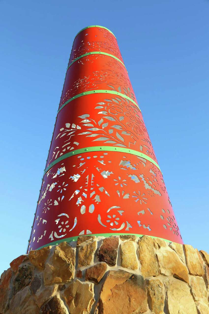 Crossroads of Enlightenment Artist: Angel Rodriguez-Diaz Location: Intersection of Blanco and Basse Date completed: 2014