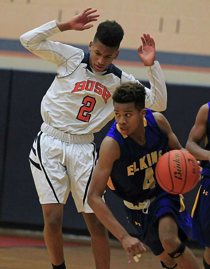 Senior guard Chad Bowie (right) led the way for Elkins in its area-round victory over Beaumont Central on Friday. Photo: James Nielsen, Houston Chronicle / © 2015  Houston Chronicle