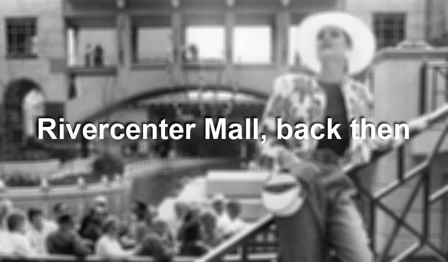 Rivercenter Mall, 1988 Photo: San Antonio Express-News