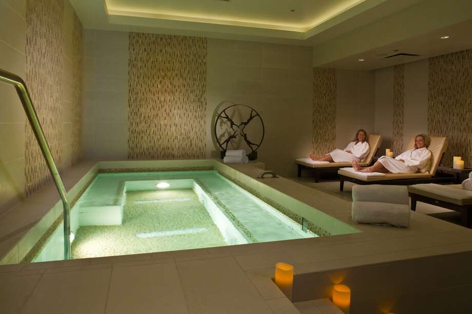 Golden nugget spa salon and fitness center opens in lake for Casino salon