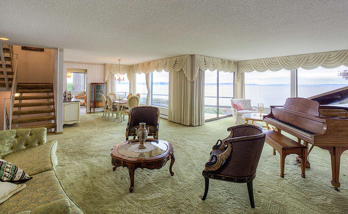 Living room of 2700 N.W. Esplanade.