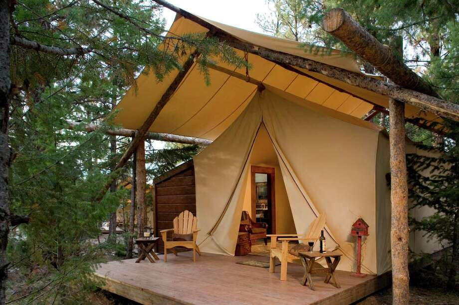 "Each ""camp"" at the Resort at Paws Up is comprised of six fancy tents and a dining pavilion, a hang out spot where a camp butler cooks breakfast and dinner for guests. Photo: Pieter De Liagre Bohl / © 2008 Pieter de Liagre Bšhl"
