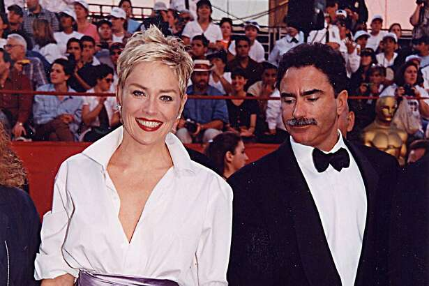 Sharon Stone & Phil Bronstein at the 1998 Academy Awards in Los Angeles. (Photo by Jeff Kravitz/FilmMagic, Inc)
