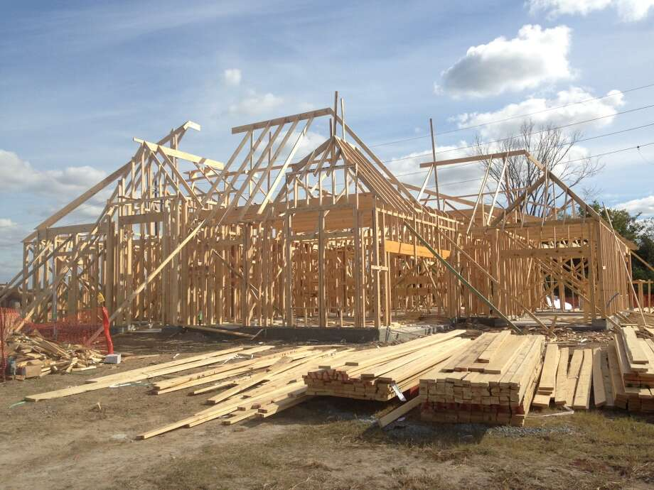 A house under construction in Manvel. Photo: Katherine Feser, Houston Chronicle