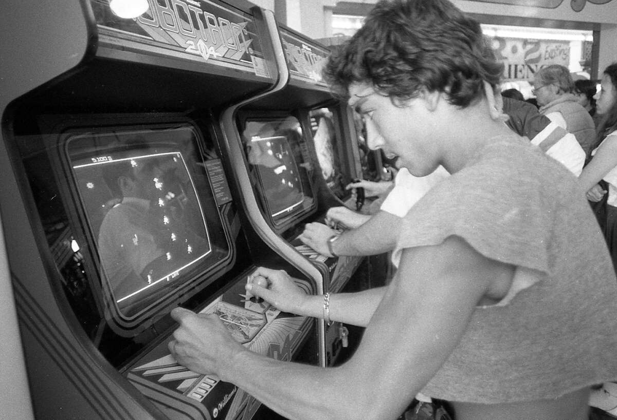 July 8, 1982: A Bay Area arcade debuts the new video game Robotron. Phil Lobsinger is at the controls.