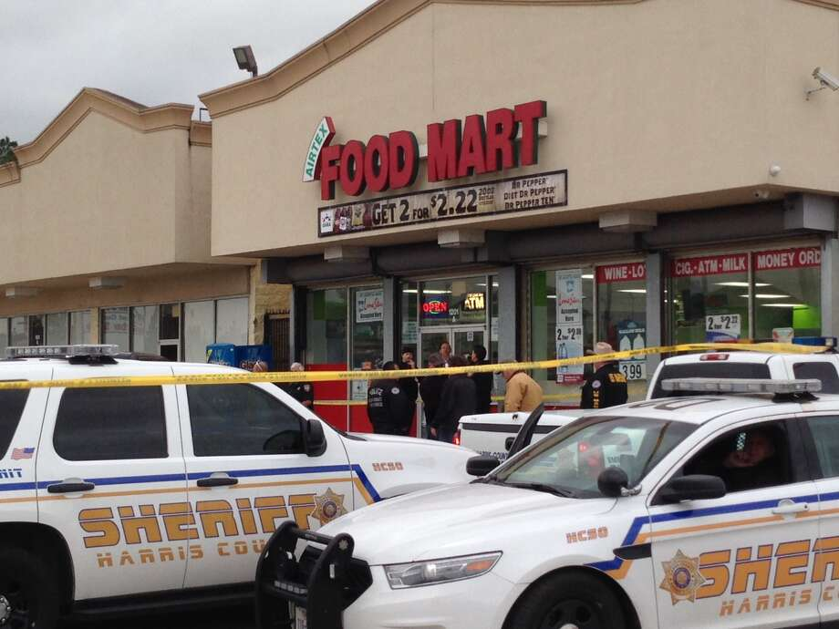 A man wanted for aggravated assault and aggravated robbery has been killed in a confrontation with U.S. Marshals in north Harris County. The shooting occurred about 2 p.m. Friday at an Airtex Food Mart in the 1200 block of Airtex, according to Harris County Sheriff's Office Sgt. Cedrick Collier Photo: Mike Glenn / Houston Chronicle