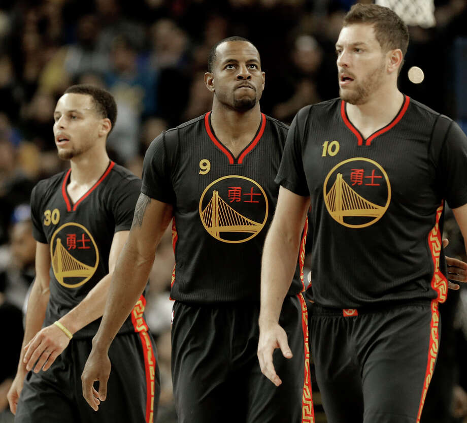 Stephen Curry, Andre Iguodala and David Lee beat the Spurs on Friday in the Warriors' sole home game in a stretch of 11. Photo: Michael Macor / The Chronicle / ONLINE_YES