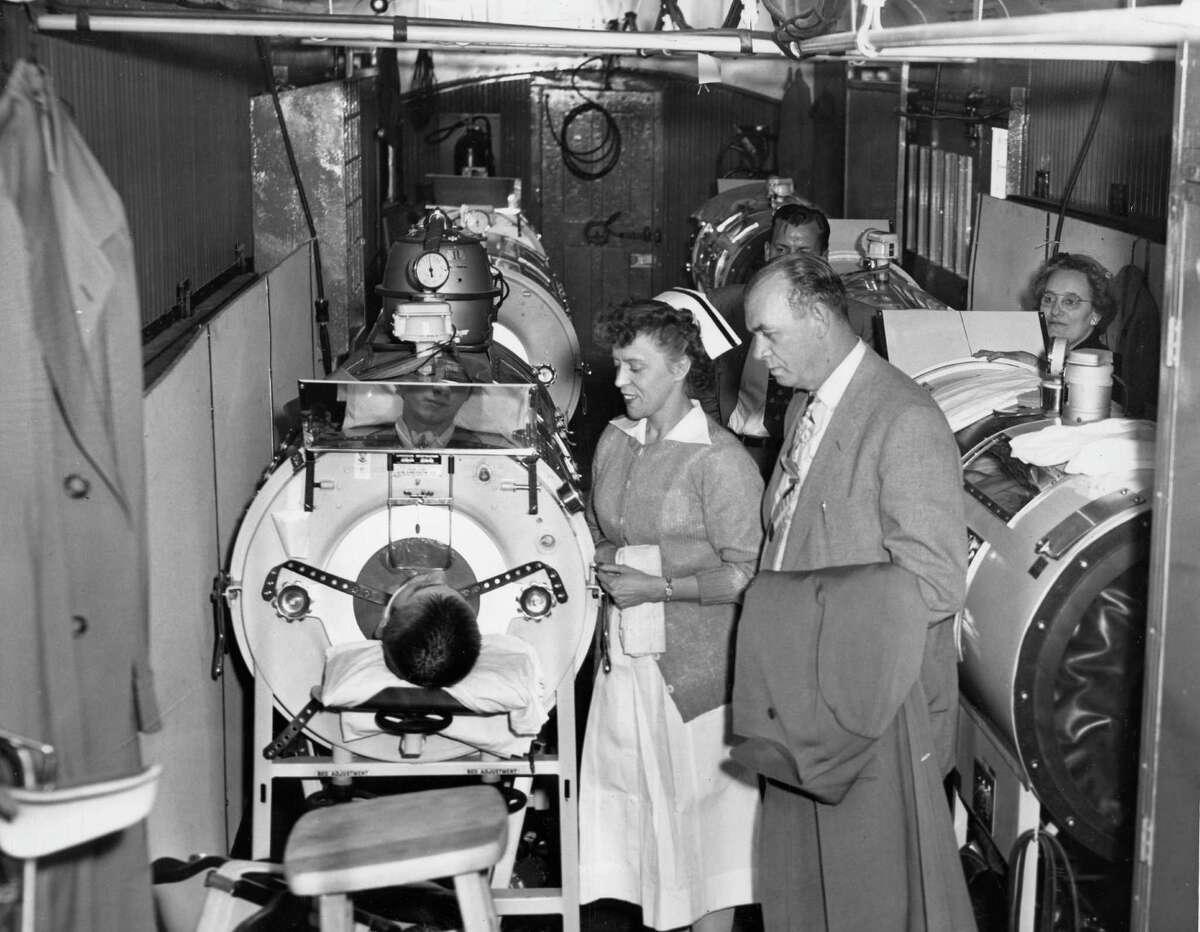 November 1953: Kentucky polio victim sent to Houston for treatment.