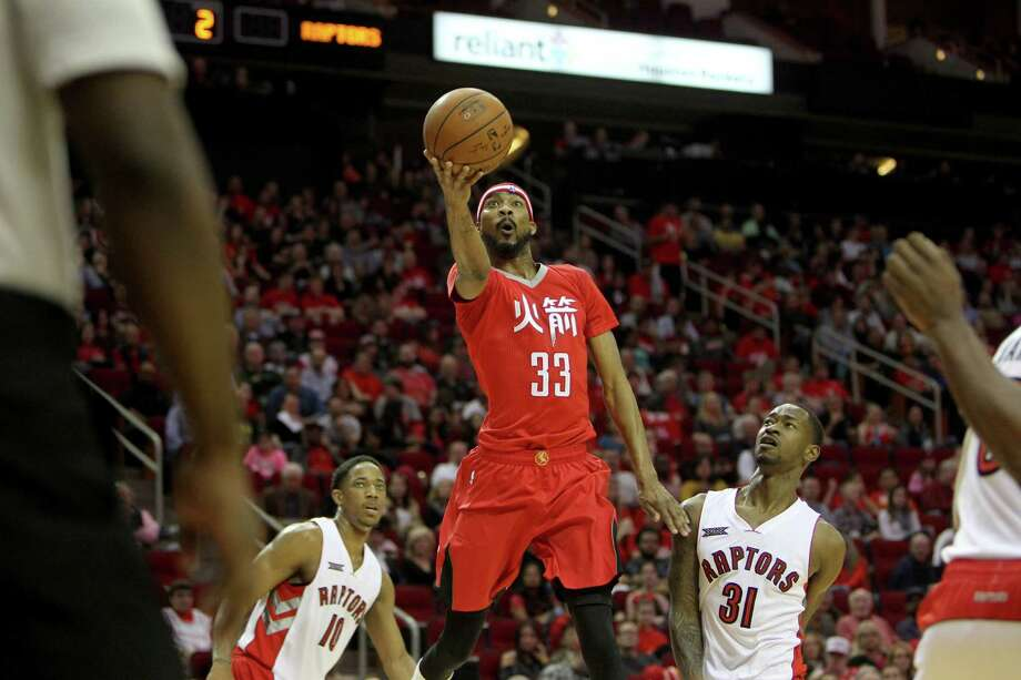 Corey Brewer enjoyed his best game since joining the Rockets with 26 points Saturday night against the Raptors. Photo: Gary Coronado, Staff / © 2015 Houston Chronicle