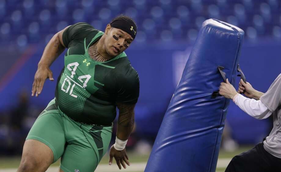 Washington defensive lineman Danny Shelton runs a drill at the NFL football scouting combine in Indianapolis, Sunday, Feb. 22, 2015. (AP Photo/David J. Phillip) Photo: David J. Phillip, Associated Press