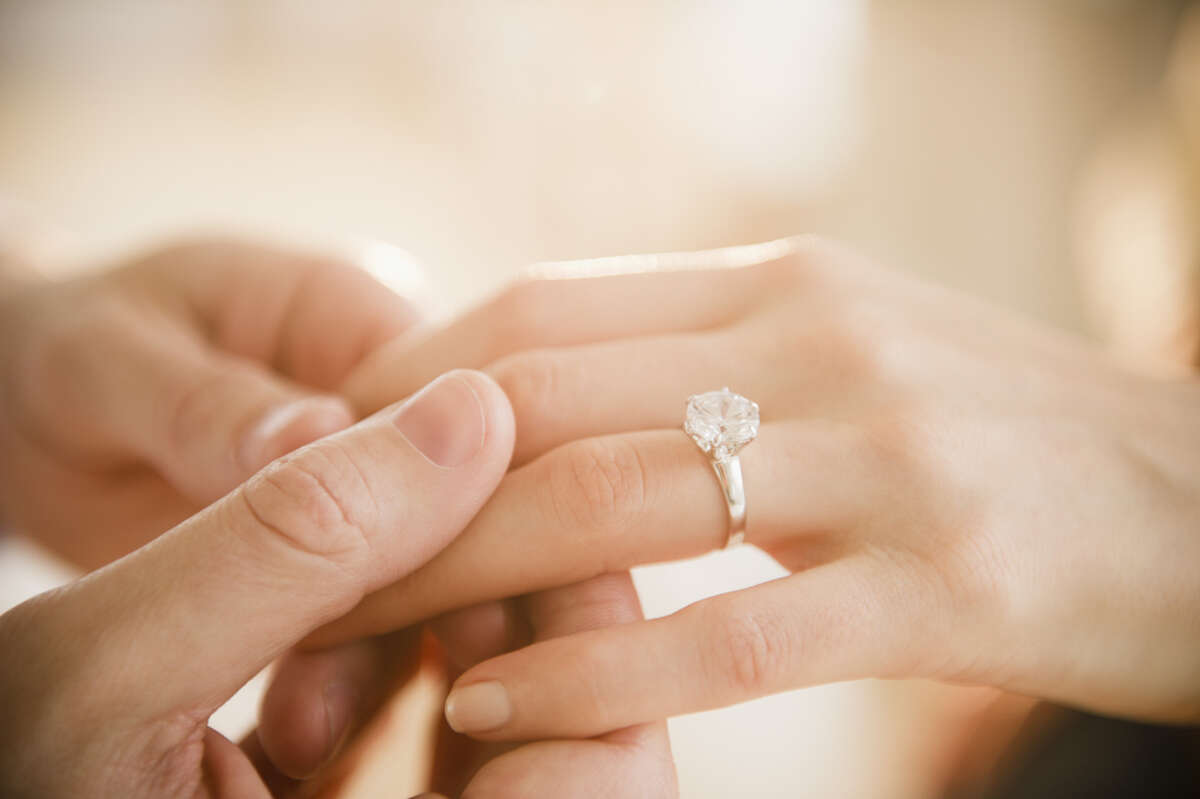 Couples in Colorado spend an average of $6,938 on engagement rings.