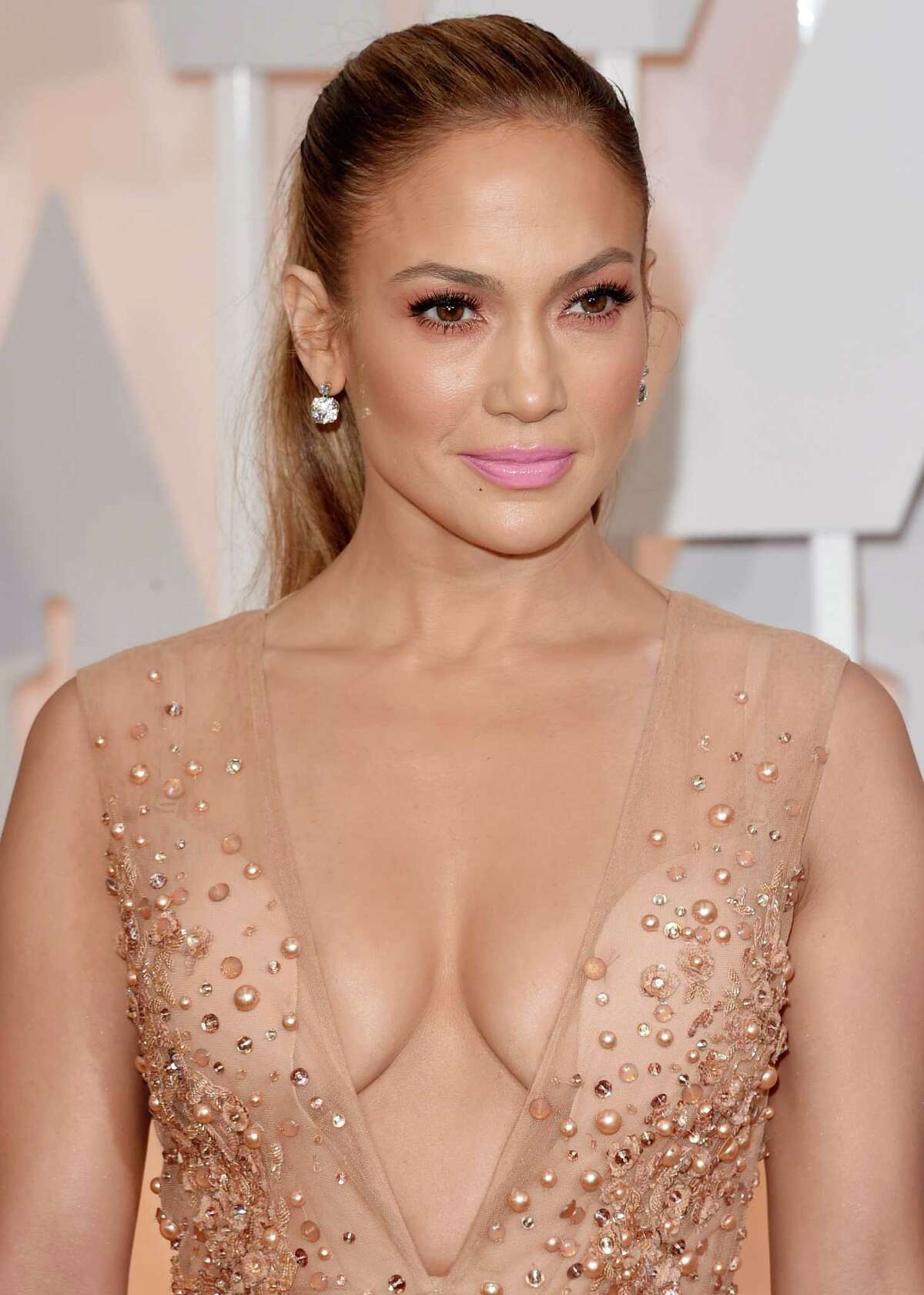 HOLLYWOOD, CA - FEBRUARY 22: Actress Jennifer Lopez attends the 87th Annual Academy Awards at Hollywood & Highland Center on February 22, 2015 in Hollywood, California.