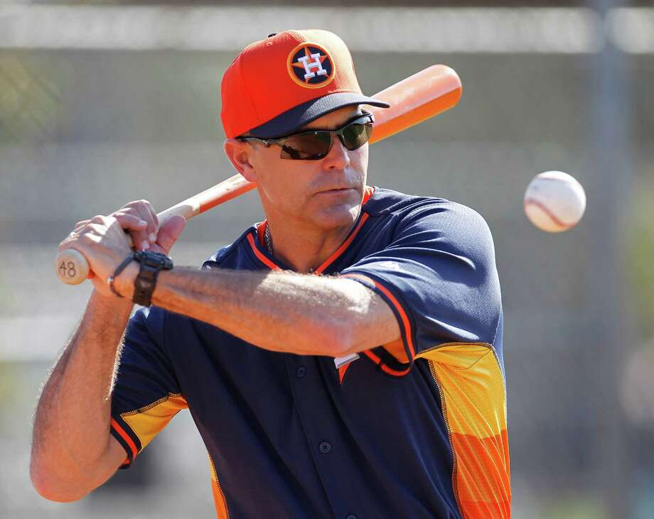 Houston Astros bench coach Trey Hillman (22) during spring training workouts for pitchers and catchers at their Osceola County training facility, Sunday, Feb. 22, 2015, in Kissimmee. Photo: Karen Warren, Houston Chronicle / © 2015 Houston Chronicle