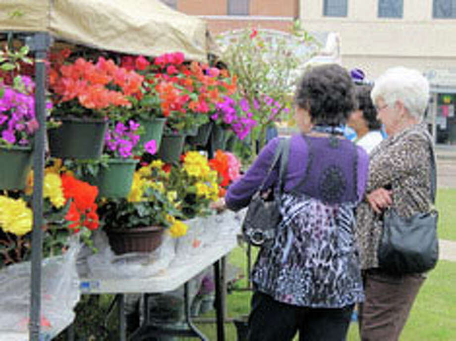 Enjoyment at the 2014 Jasper Azalea feastival. Do not miss it this year on March 21st.
