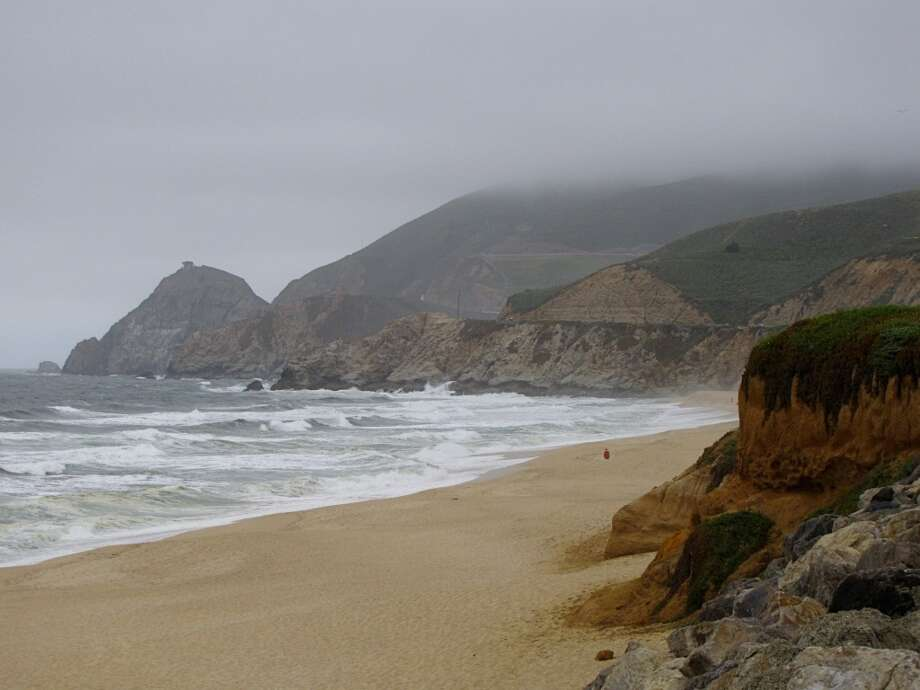 FILE PHOTO: Montara State Beach, Montara. Witnesses say a car drove off a cliff in Montara Thursday night, and police say it may possibly be connected to a missing San Jose man. Photo: Stephanie Wright Hession, Special To The Chronicle