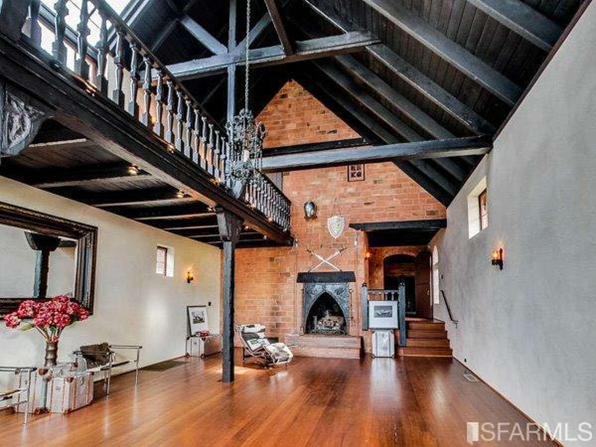 The 20' x 30' main living area