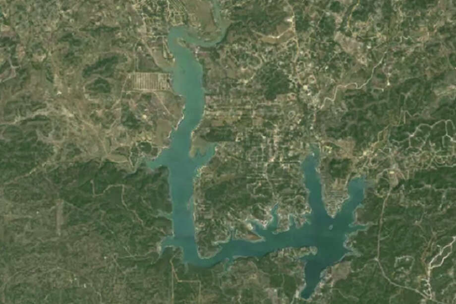Medina Lake: 2008 After a very wet 2007 -- the 7th wettest on record -- Texas went right back into drought conditions in 2008 and 2009. Photo: TIME/Google/NASA