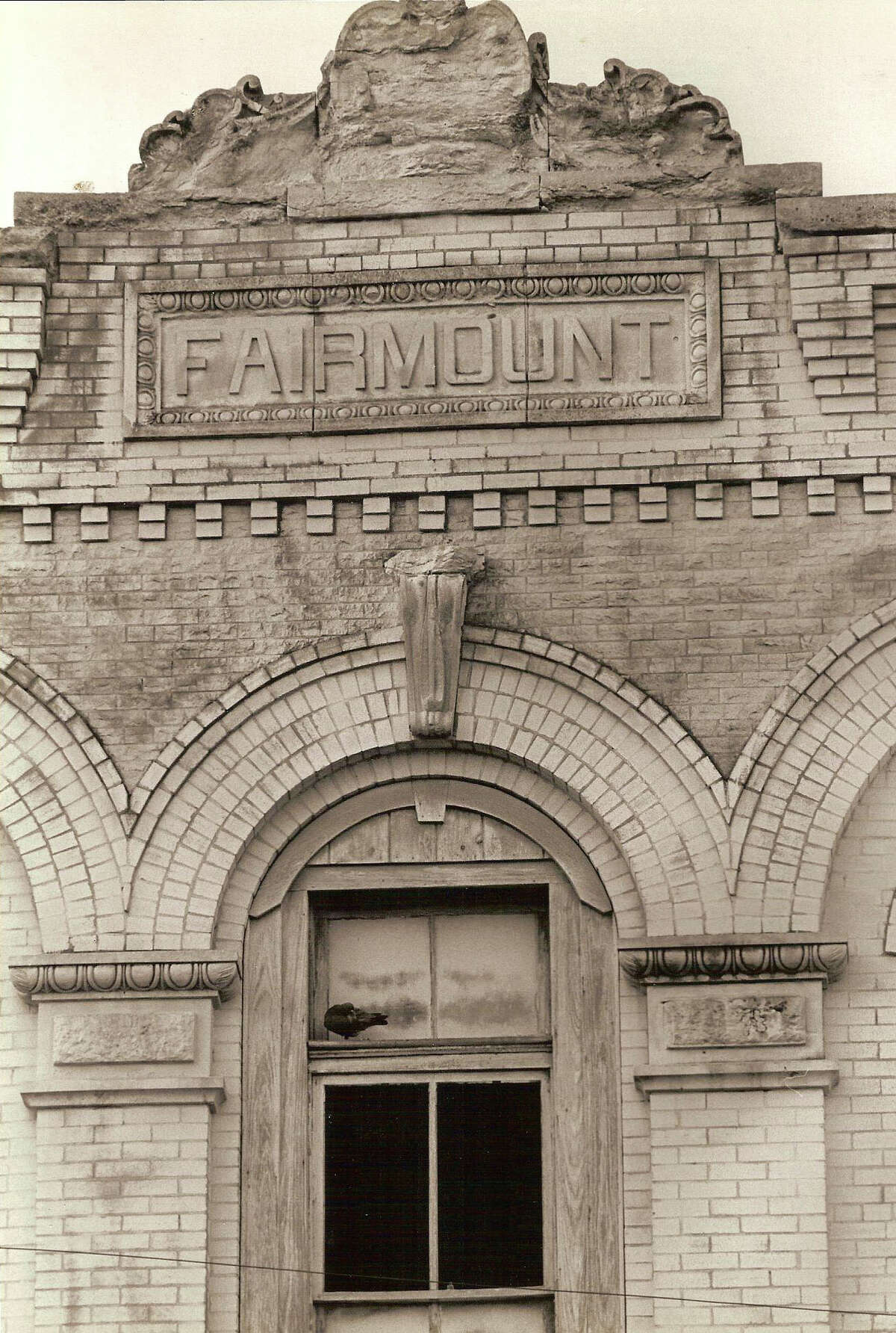 March 21, 1984 - The Fairmont Hotel was built at the intersection of Bowie and Commerce streets in 1906. In 1984, the fate of the hotel was under debate in order to make room for retail and lodging, which later became the Marriott Rivercenter Hotel