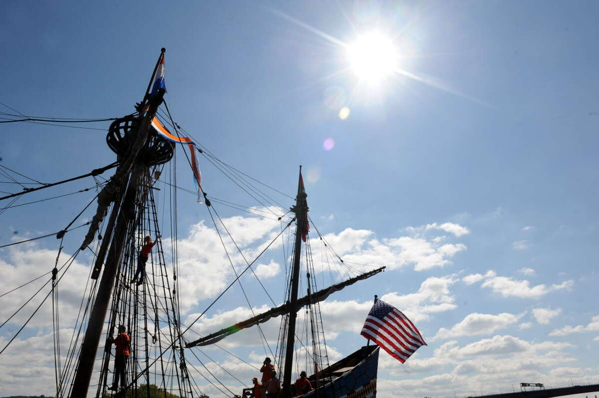 Middle school children return from their student voyage of discovery aboard the replica ship the Half Moon on Friday Sept. 19, 2014 in Albany, N.Y. (Michael P. Farrell/Times Union archive)
