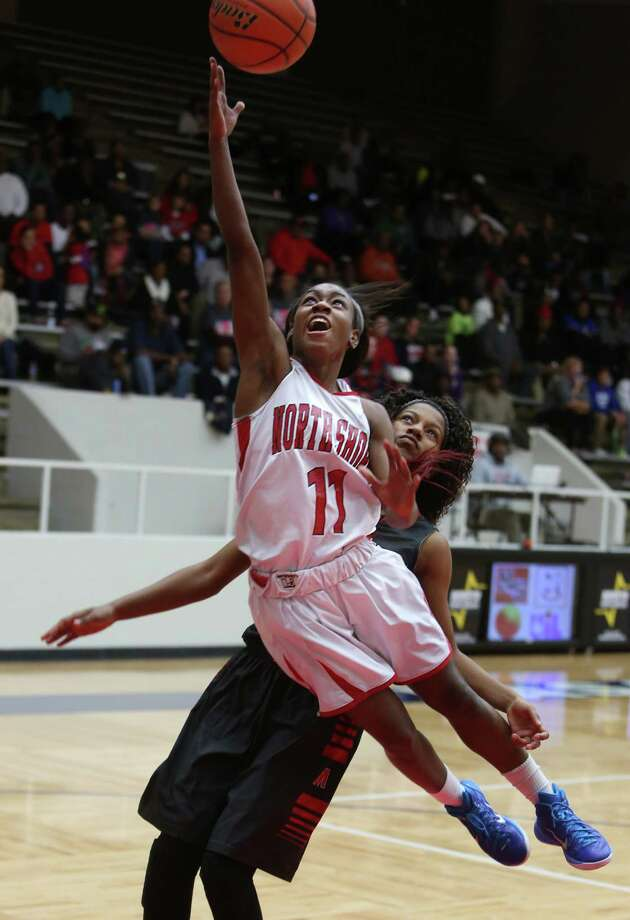 Adrii Jackson helps North Shore run away from Manvel on Tuesday night. Photo: Mayra Beltran, Staff / © 2015 Houston Chronicle