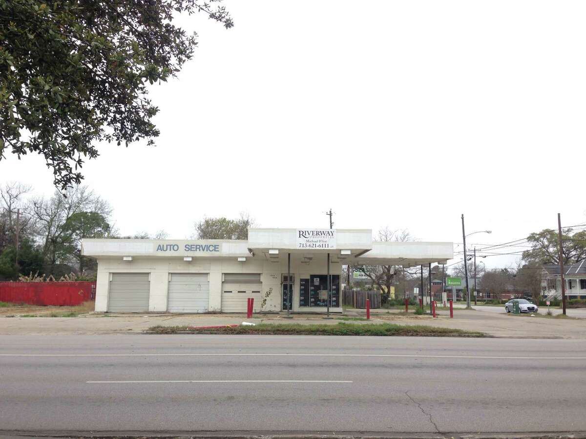 This former gas station at Yale and 11th in the Heights will be the new home for 8-Row Flint Icehouse and Tacos, a new ice house planned by the owners of Revival Market and Coltivare restaurant.