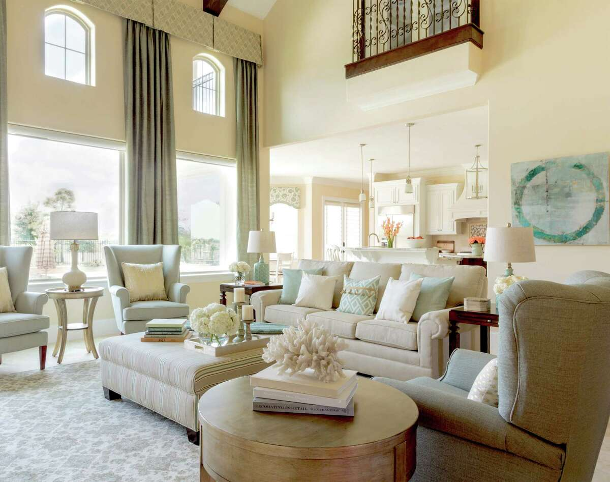 Throughout the house, the Boyles chose woven fabrics that resist stains to make their furniture and rugs kid-friendly.
