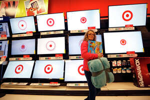 Target sales increase offset by loss on Canada store closings - Photo