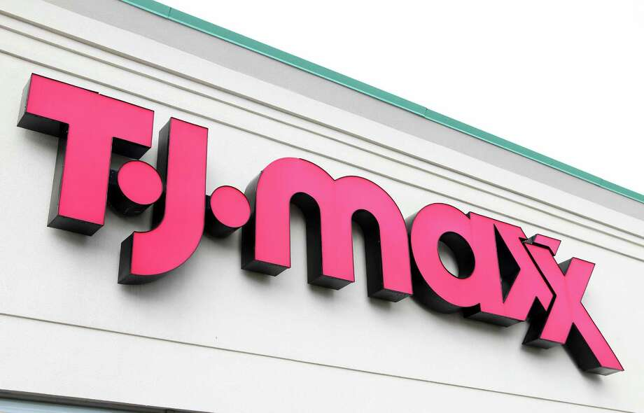 TJ Maxx and Marshalls, owned by parent company TJX Cos., don't care about online sales because their businesses are based on the real-life retail experience. Photo: Tim Boyle / © 2011 Bloomberg Finance LP